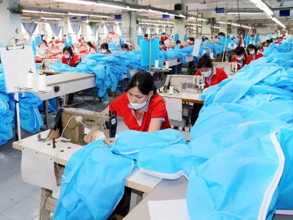 ベトナムガーメントグループの被服製造ライン