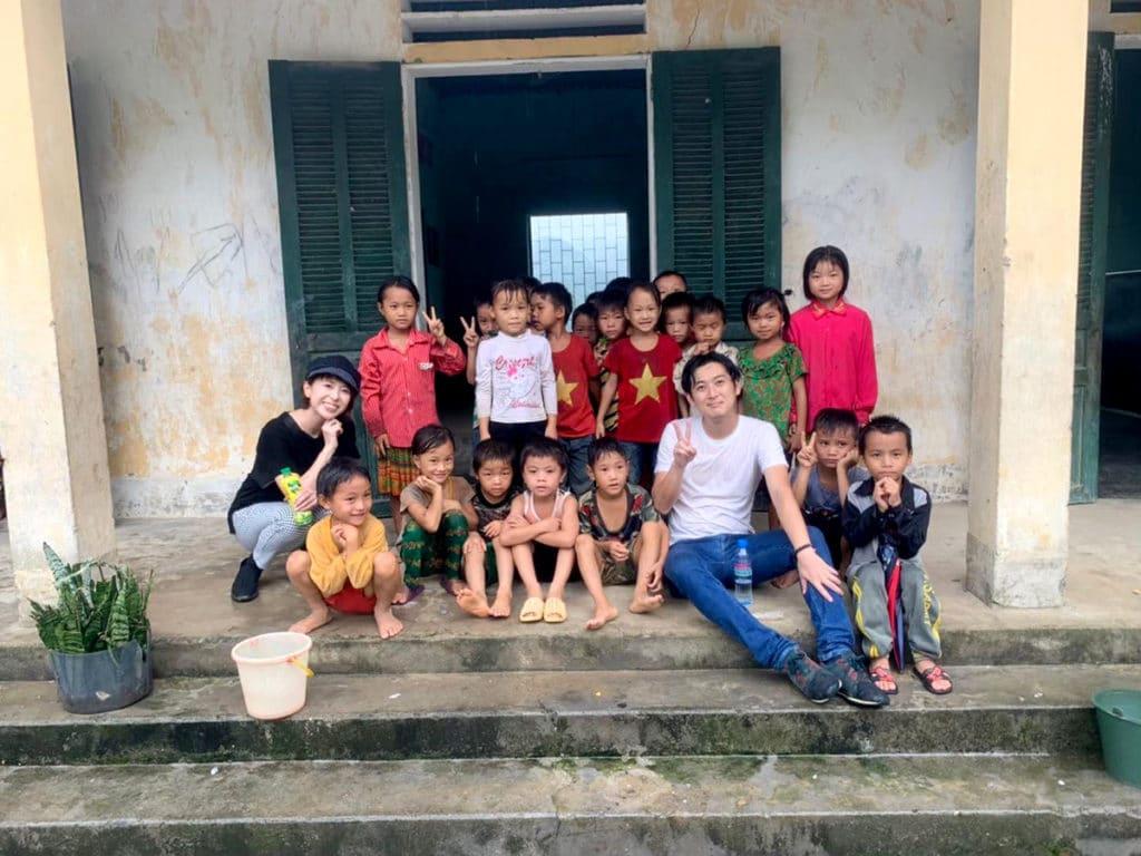 ベトナムの子供たちと箕輪佑耶