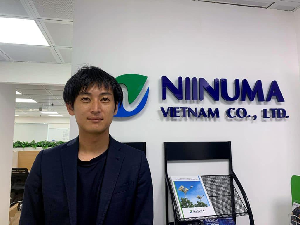 ニイヌマ・ベトナム/箕輪佑耶