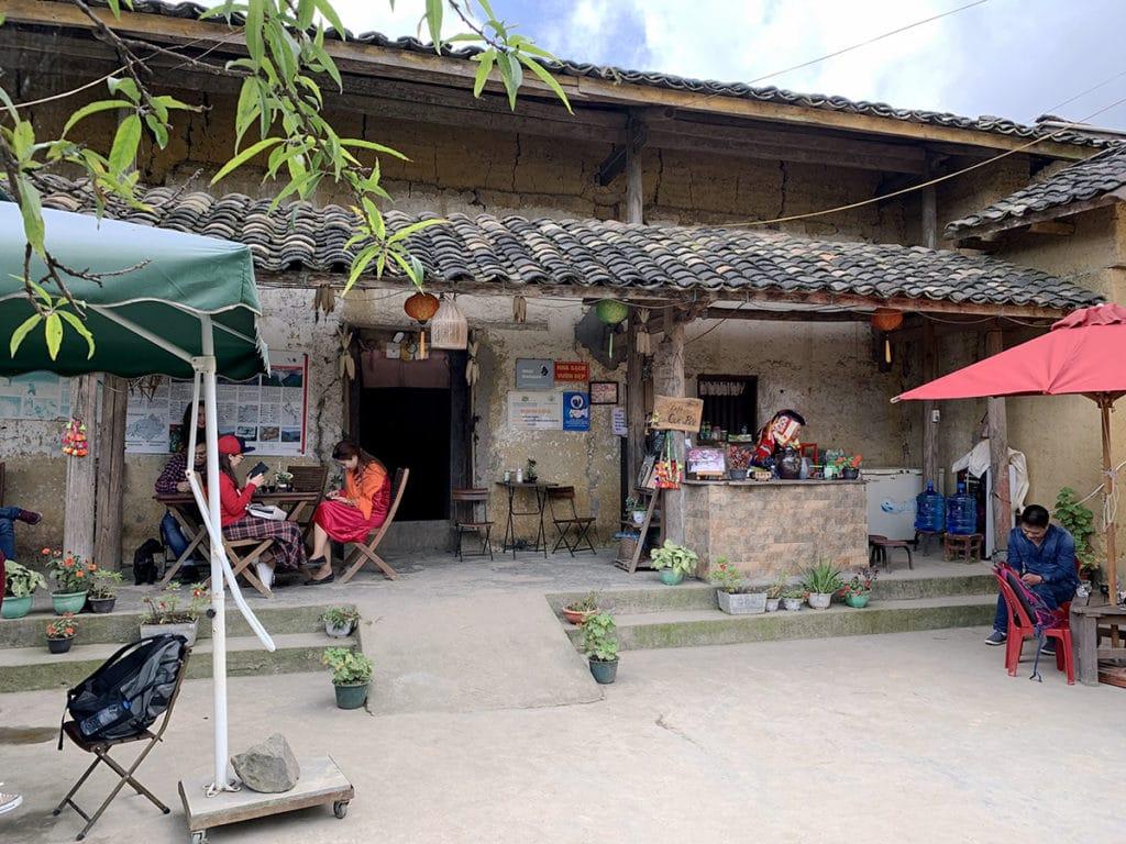 日本人が開業したカフェ「クックバック」