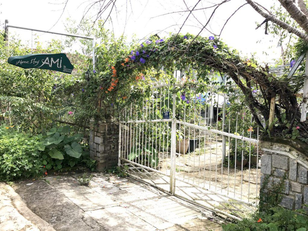 ダラットにある欧風の別荘風の建物